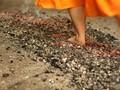 Ritual Balia, Menyembuhkan Sakit dengan Injak Bara Api