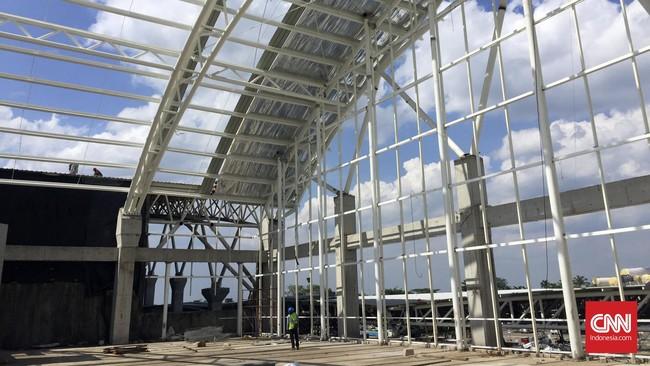 Konstruksi area parkir pesawat Bandara Supadio digenjot pengerjaannya untuk bisa digunakan tahun depan.