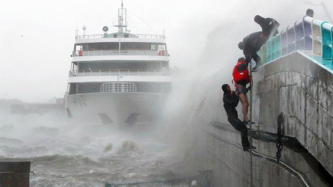 Topan Mitag Terjang Korea Selatan, Sembilan Orang Tewas