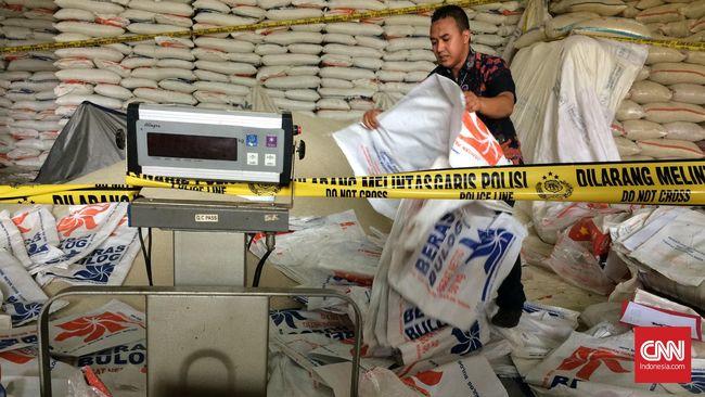 Polisi Temukan Gudang Beras Bulog Oplosan