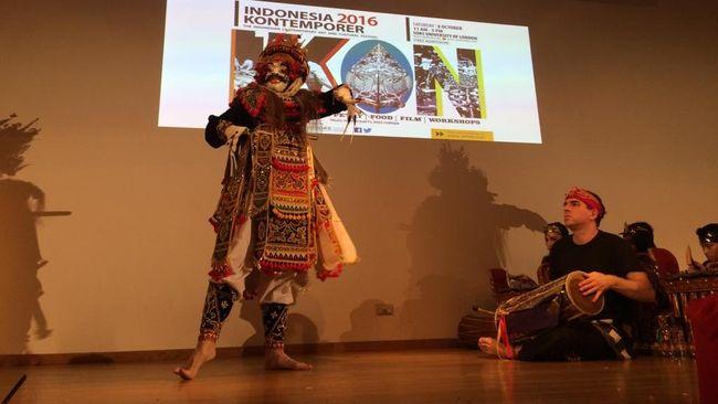 Seniman Bule Tampilkan Tari dan Musik Indonesia di London