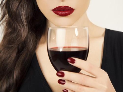Waspadai Minuman yang Berisiko Sebabkan Wanita Kena Kanker