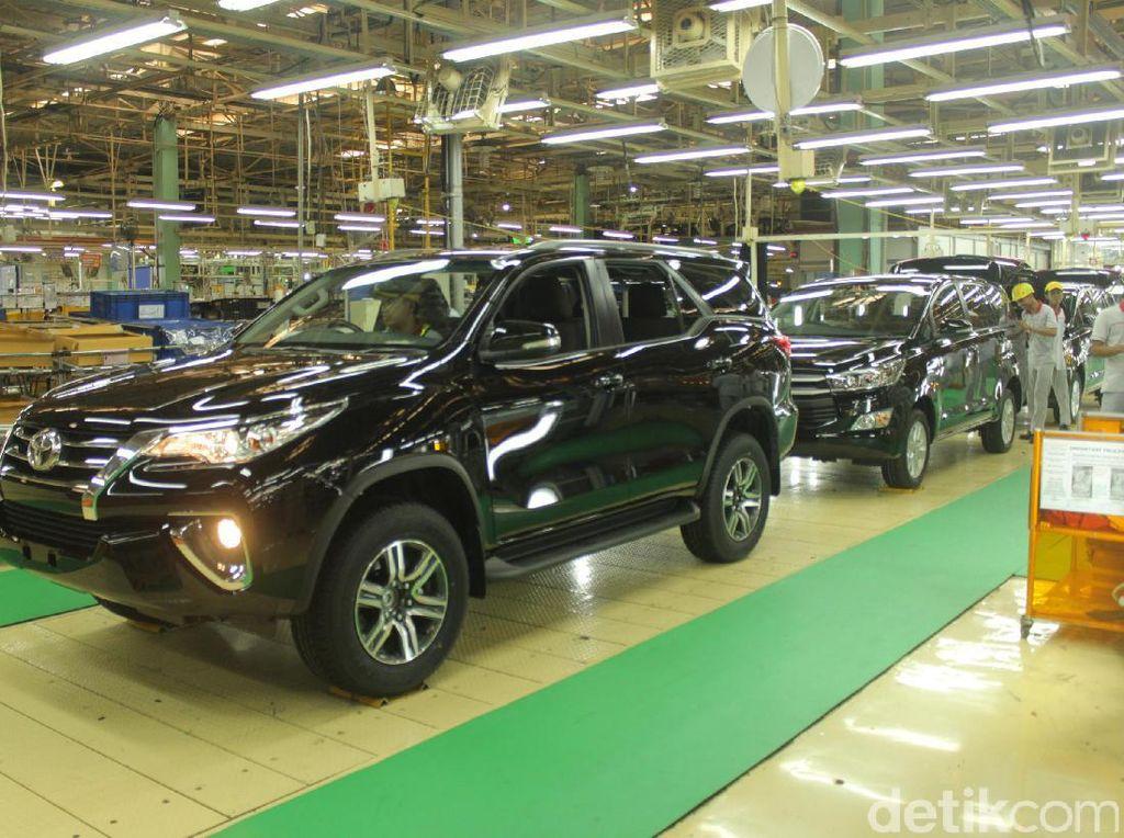 Toyota Fortuner : 2.254 unit. Foto: TMMIN