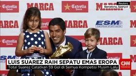 Luis Suarez Raih Penghargaan Sepatu Emas