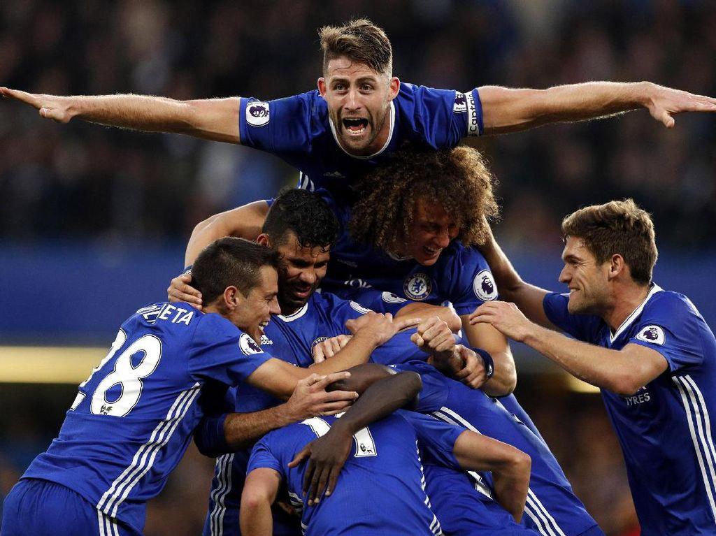 Para pemain Chelsea merayakan gol yang dicetak oleh NGolo Kante di menit ke-70. John Sibley/Reuters/detikFoto.