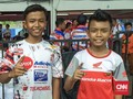 Kala Penggemar Rossi Balapan Bersama Marquez