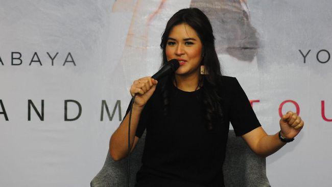 Raisa & Isyana Bersatu Boyong AMI Awards 2017