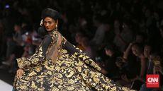 Si Pemberi 'Nyawa' Busana di Pekan Mode