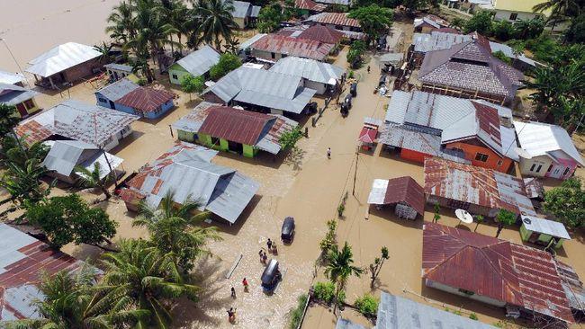 Ribuan Rumah di Bima Terendam Banjir Hingga 2 Meter