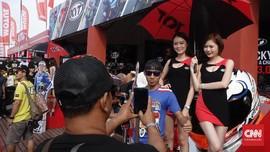 Parade Gadis Payung di MotoGP Malaysia yang Digilai Pria