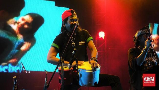 Ajang Synchronize Fest 2016 ini pun diakui musisi jazz Indra Lesmana sebagai wadah untuk saling mengenal bahkan menginspirasi antar musisi satu sama lain. (CNN Indonesia/ Safir Makki)