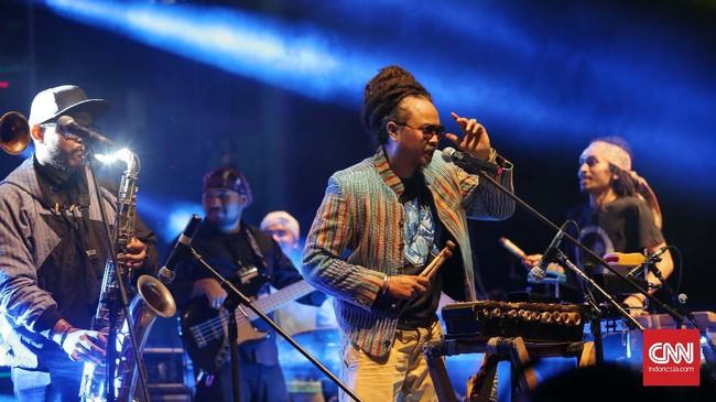 Musik pop, rock, reggae, hip hop, jazz, blues, hingga dangdut berjaya di lima panggung selama tiga hari tiga malam, 28-30 Oktober 2016, di Gambir Expo Kemayoran. (CNN Indonesia/Safir Makki)