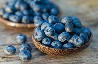 Antioksidan serta vitamin yang ditemukan di buah beri menjadikannya patut masuk menu yang bisa Anda makan di pagi hari. Sambil menunggu jemputan, Anda bisa duduk manis sambil mengunyah buah beri. (Foto: Thinkstock)