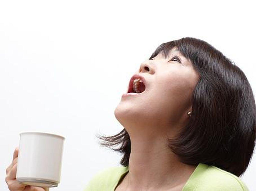 Pakai Sedotan Hingga Dikumur, Kebiasaan Minum yang Rawan Rusak Gigi