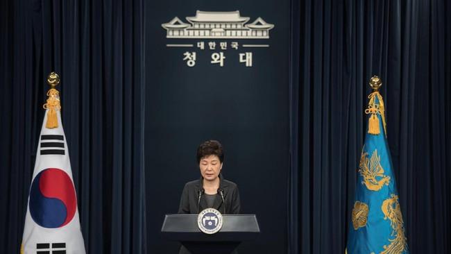 Presiden Korea Selatan, Park Geun-Hye, menghadapi guncangan terbesar dalam kepemimpinannya, menyusul skandal kebocoran dokumen negara yang terungkap beberapa pekan terakhir. (Reuters/Ed Jones/Pool)