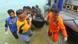 Sebanyak 45 Jenazah Korban Kapal Karam Diserahkan ke Keluarga