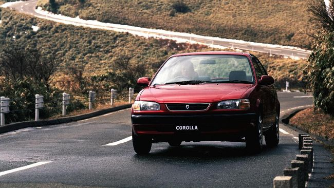 Hasil Mengejutkan Tes Tabrakan Corolla 98 Vs Corolla 2015