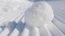 Salju Turun di Arab Saudi Tanda Perubahan Iklim
