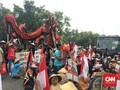 Naga dan Kendi Iringi Demo Petani Kendeng di Mahkamah Agung