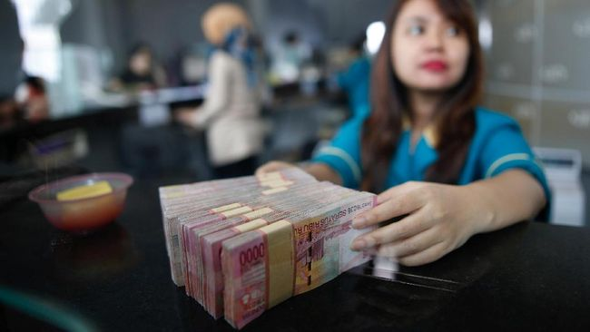 Bank Akui Bersaing dengan Pemerintah Rebut Dana Masyarakat
