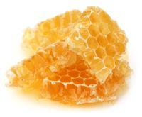 Menurut American Sleep Association, madu itu sangat baik untuk meningkatkan kualitas tidur karena mengandung gula alami (glukosa) yang dapat mengurangi jumlah orexin. Orexin inilah yang membuat insomnia. Foto: ilustrasi/thinkstock