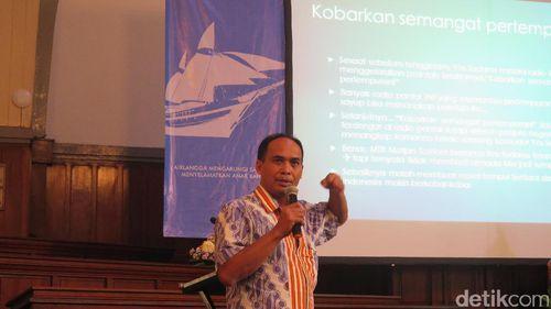 Keasyikan Mengabdi, dr Agus Tak Pulang-pulang dari Maluku