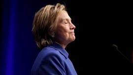 Aktif Lagi di Twitter, Hillary Clinton 'Follow' Snoop Dogg