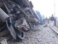 Kereta di India Keluar Jalur, 63 Orang Tewas