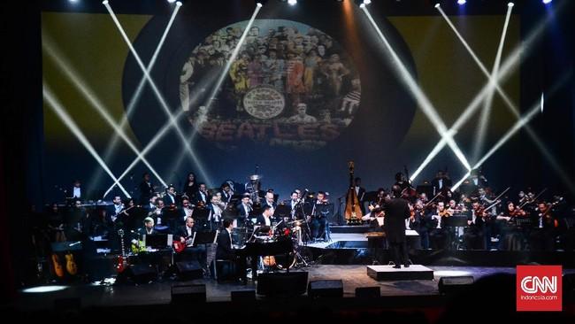 Setelah G-Pluck, Addie MS sebagai konduktor memimpin 55 orang yang memainkan berbagai alat musik yang digunakan dalam grup musik orkestra. Twilite Orchestra memainkan beberapa lagu The Beatles dengan medley.