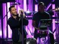 Adam Levine Berganti Rupa Wajah di Video 'Wait'