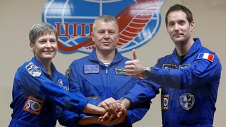 Astronaut Perancis <i>Nyoblos</i> dari Luar Angkasa