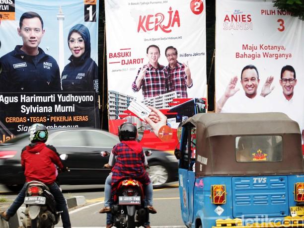 Baliho Kampanye Cagub-Cawagub DKI Hiasi Ibu Kota