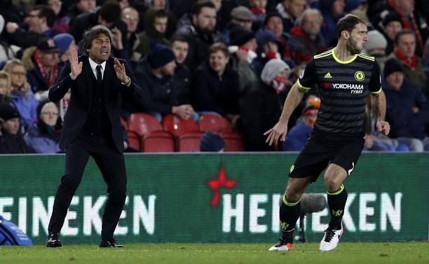 Chelsea Rebut Puncak Klasemen dari Liverpool