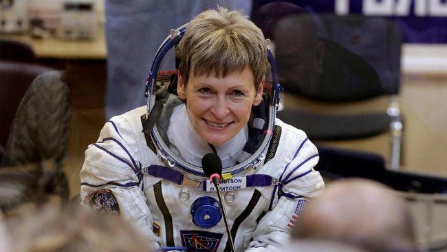 Astronaut NASA Cerita Tantangan Buang Hajat di Luar Angkasa