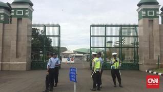 Antisipasi Demo, Jalan Depan DPR Arah ke Slipi Ditutup