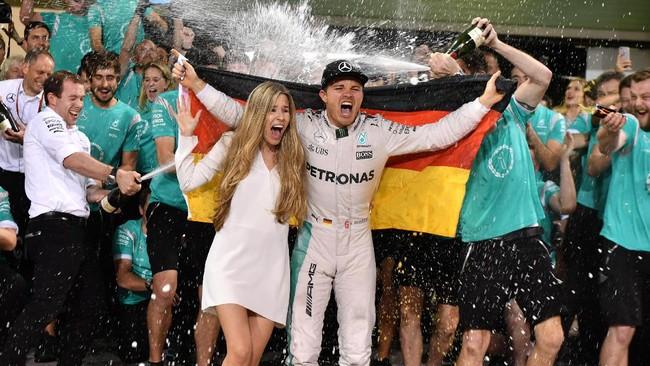 Kemenangan Nico Rosberg musim ini jadi momentum besar baginya untuk bisa mengulang kesuksesan serupa tahun depan. (AFP PHOTO / Andrej ISAKOVIC)