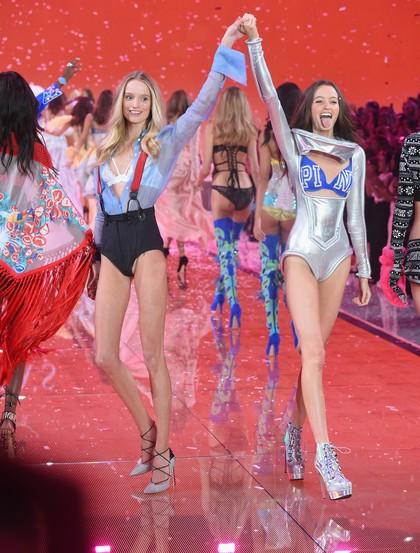 Hal-hal yang Dikhawatirkan Para Angel Victorias Secret Saat Fashion Show