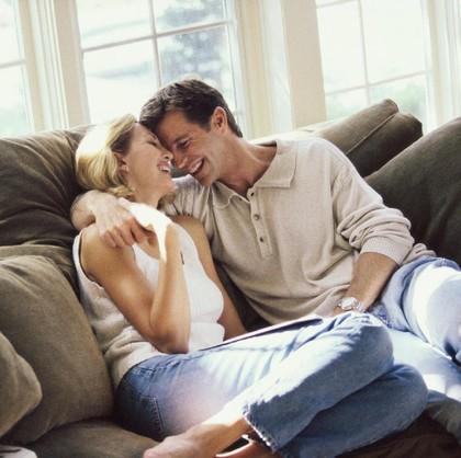 3 Manfaat Sexting untuk Pernikahan Anda