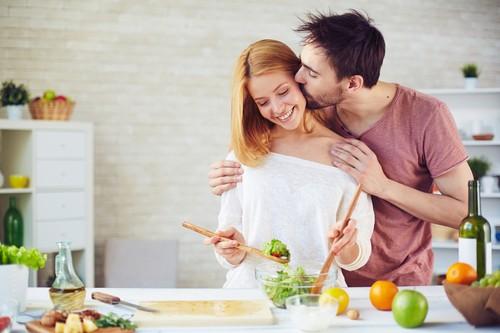 5 Makanan Ini Terlarang Dimakan Sebelum Bercinta