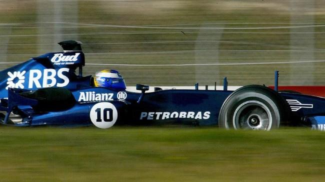 Rosberg pertama kali menjajal balapan F1 bersama tim Williams, di usia 21 tahun. Dalam tes perilaku, ia mendapatkan nilai paling tinggi dalam sejarah Williams. (AFP PHOTO / CESAR RANGEL)
