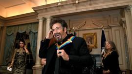 Al Pacino Semringah Terima Kennedy Center Honors