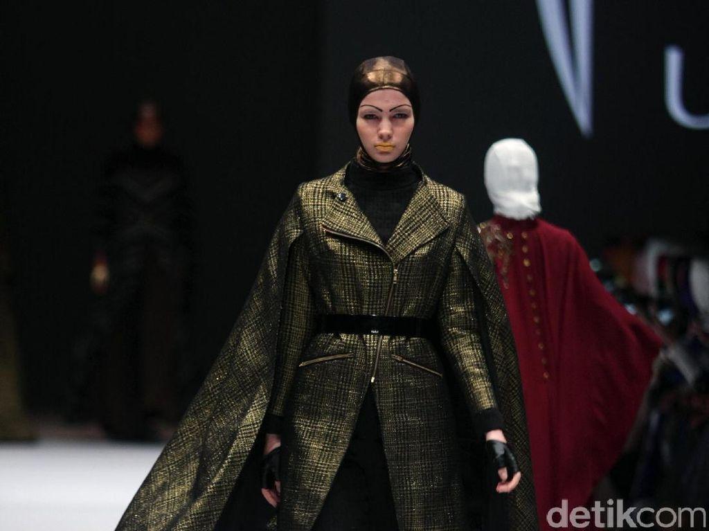 Foto: Koleksi Norma Hauri di Jakarta Fashion Week 2017