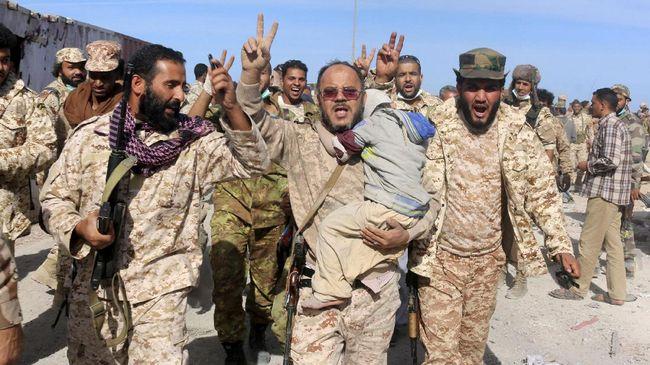 Pasukan Dua Pemerintah di Libya Saling Serang di Tripoli