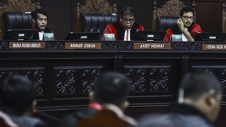 Hakim Beda Pendapat, MK Tolak Gugatan Pasal Zina dan LGBT