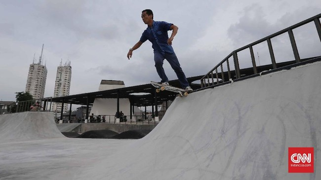 Skate park di sini menempati area seluas 2.000 meter persegi. Sudah pasti sebentar lagi kawasan ini akan diramaikan oleh banyak kegiatan khas anak muda. (CNN Indonesia/Safir Makki)