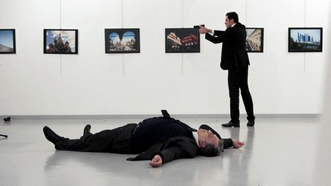 Tiga Serangan Guncang Eropa dalam 24 Jam