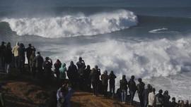 BMKG: Waspadai Gelombang Tinggi Laut di Manado dan Maluku