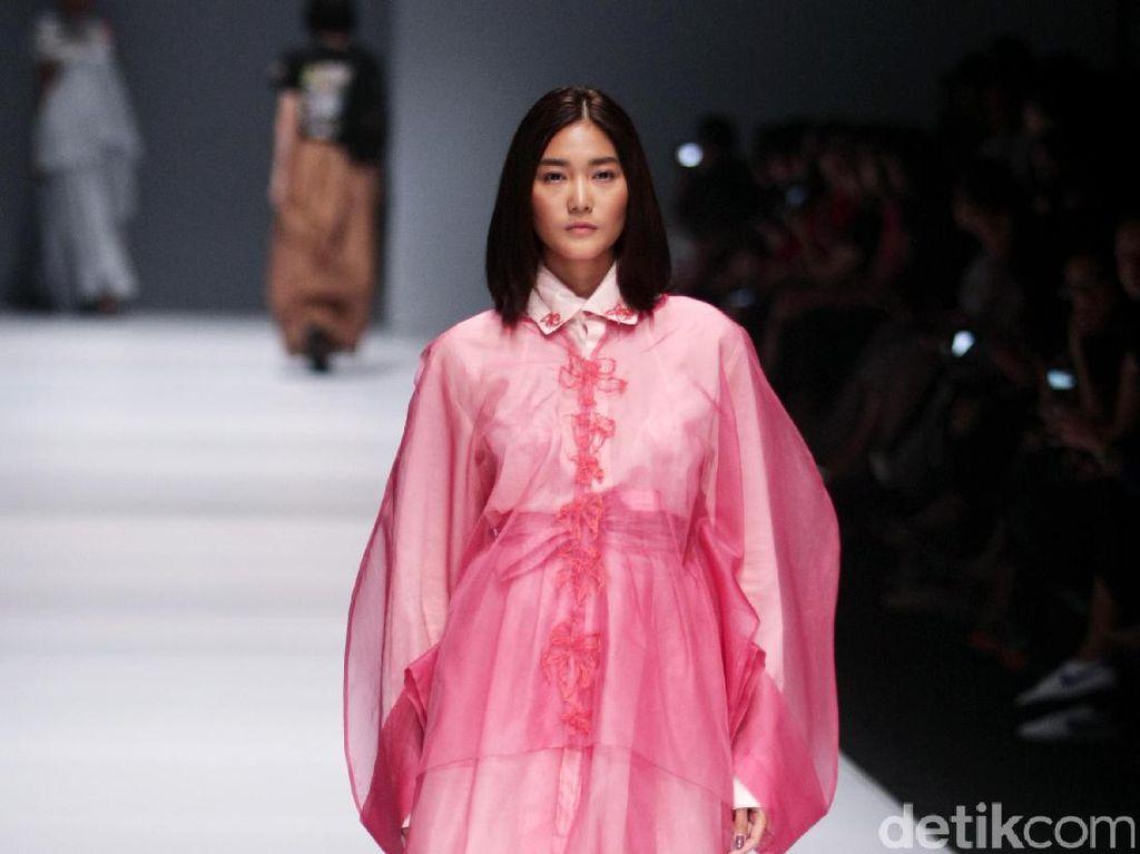 Foto: Koleksi Fbudi di Jakarta Fashion Week 2017