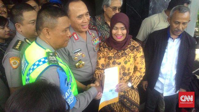 Jabatan Dora Natalia Dicopot dan Dimutasi ke Luar Jawa