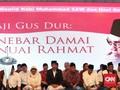 Jokowi Kenang Almarhum Gus Dur Lewat Peci